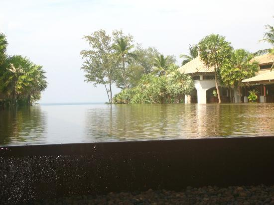 Marriott's Phuket Beach Club: View from the lobby