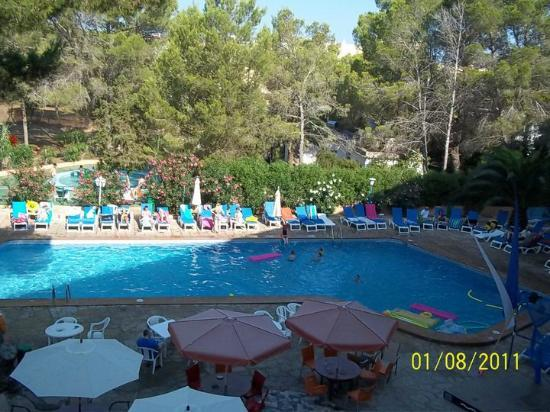Hotel Club Els Pins: The view of the pool from my room! :)