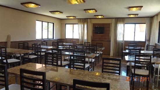 Kalamari Hotel: suite standard, simples e muito confortável