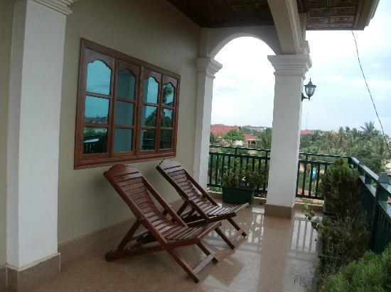 Siem Reap Garden Inn: Balcony. Soooo relaxing.