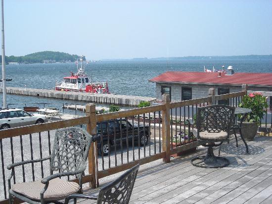 Islander Marina & Lodge: deck overlooking marina and seaway