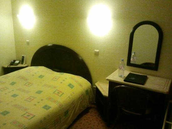 Best Western County House Of Brussels: Chambre