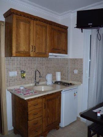 Cundavilla Suite Hotel: kitchenette