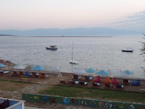 Cundavilla Suite Hotel: beach