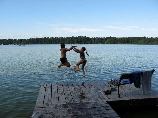 Lakeview Resort : Swim Area From Docks
