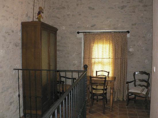 Les Artisanales en Provence : Vous etes à l'étage, cet espace vous est entièrement dédié