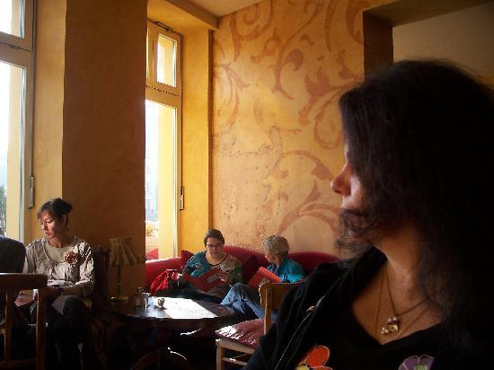 Zimt & Zucker Kaffeehaus: Interior of Zimt & Zucker