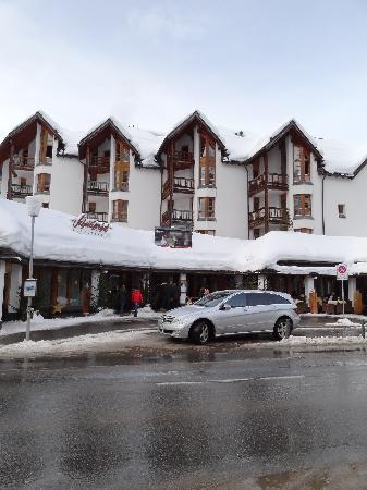 Hotel Schweizerhof : Front of the Hotel