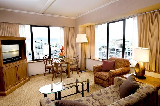 The Hotel Captain Cook: Suites