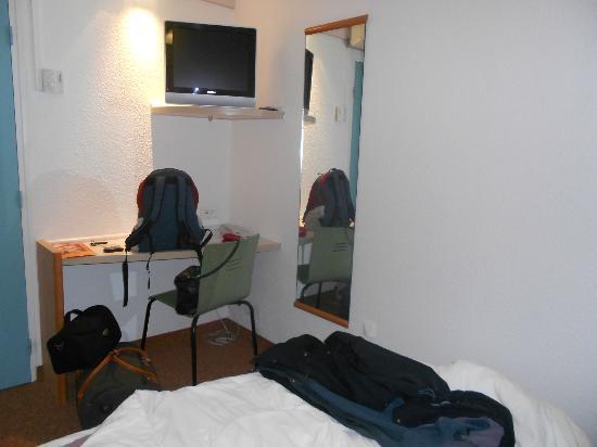 Ibis Limoges Centre : Chambre pour 2 personnes adultes 3°Vue