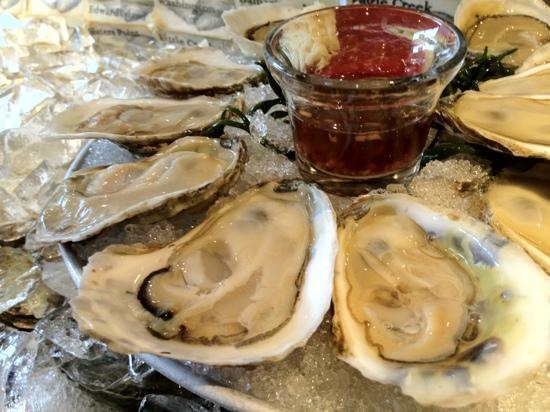 AQUAGRILL: Freshest oysters!!!