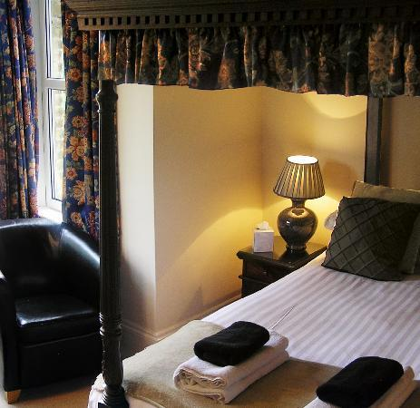 The Townhouse Rooms: Standard Four Poster