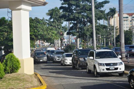 هيتلون برينسيس ماناجوا: front of hotel