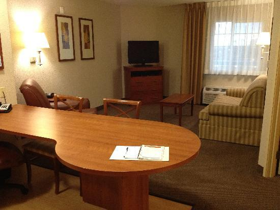 Candlewood Suites Plano East: Unwinded in your own living room after a long day
