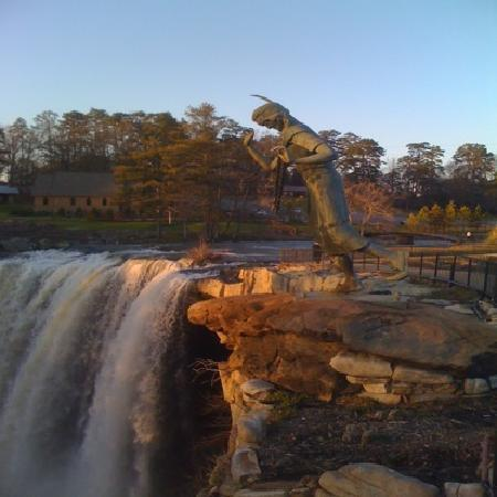 Christmas at the Falls - Picture of Noccalula Falls Park ...
