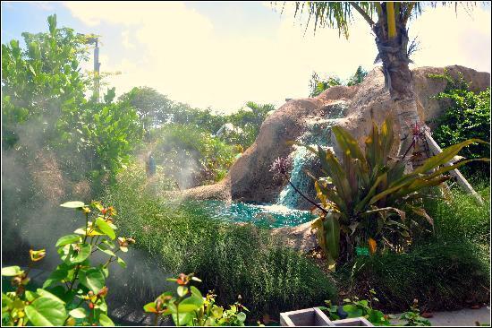 Putt'n Around : Beautiful Waterfall