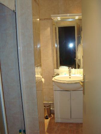 Pavillon Courcelles Parc Monceau : salle de bain