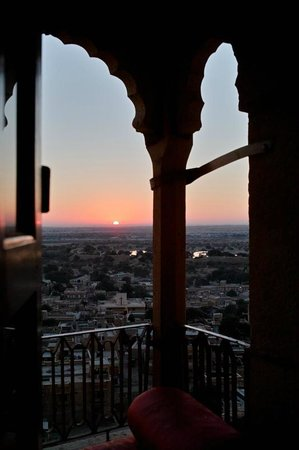 Surja Hotel: Sunset time from the Balcony of the Maharaja room