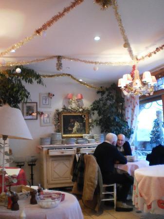 Hotel Chalet Printemps de Juliette: partie basse de la salle