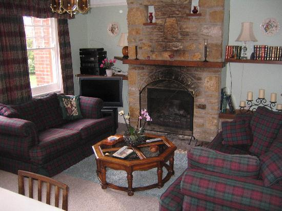 Garden House B&B: The Lounge with open fire