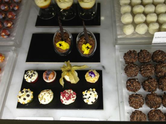 Park Hotel Amsterdam: Chocolates in the lobby...