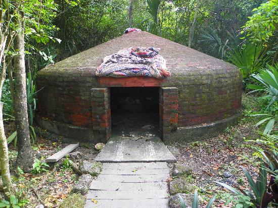Temazcal Cenote Experience: the temazcal, aka the womb