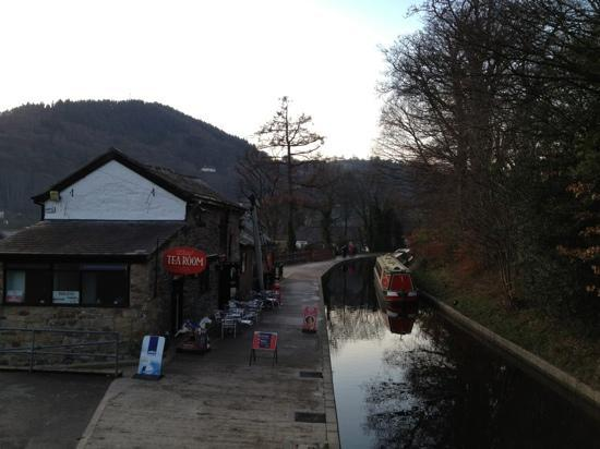 Лланголлен, UK: Llangollen Wharf Cafe