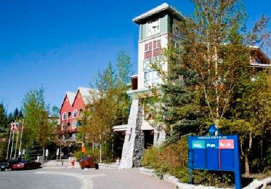 Whistler Town Plaza Suites: Deer Lodge Check In