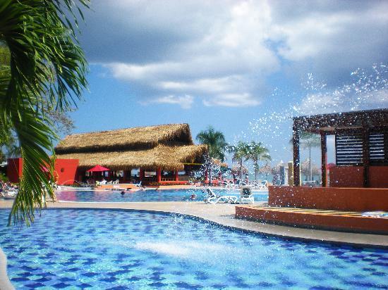Royal Decameron Beach Resort, Golf & Casino : Vista del sector cercano al Restaurante Pacífico