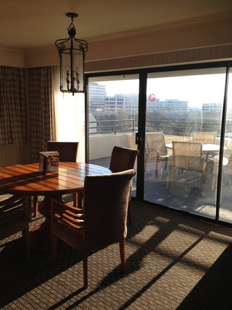 Crowne Plaza Foster City - San Mateo: huge patio off of my room