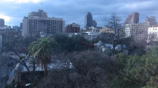 Crockett Hotel: Striking view of a very beautiful skyline