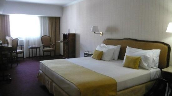 Aspen Towers Hotel: Habitación matrimonial