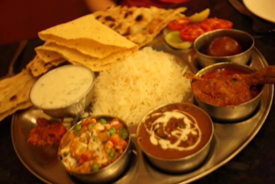 Amar Yatri Niwas: 夕食