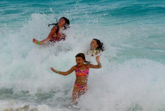 GR Solaris Cancun: more fun in the waves