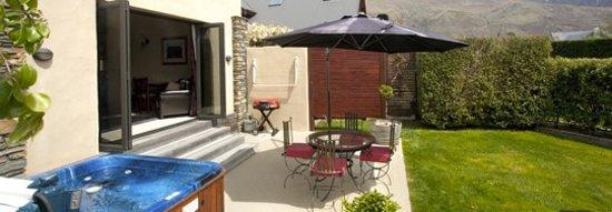 Wanaka Cottages: Cottage -Spa Pool