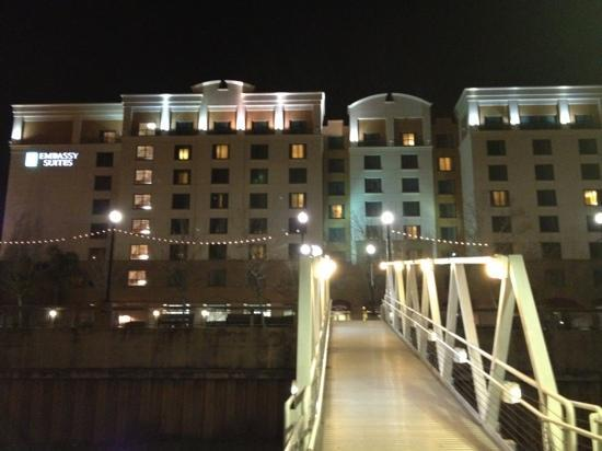 Embassy Suites by Hilton Sacramento - Riverfront Promenade: From the river