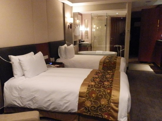 Crowne Plaza West Hanoi : Immaculate room