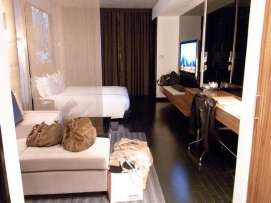 SIXTY LES: studio king suite