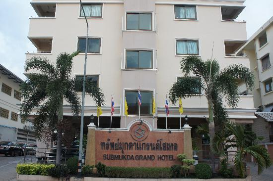 Submukda Grand Hotel: Hotel外観