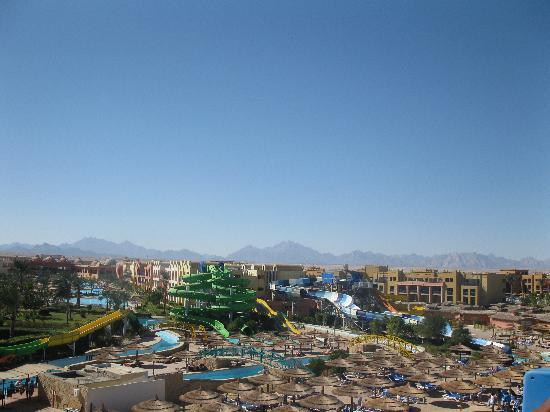 Titanic Beach Spa & Aqua Park : Вид с горки 2