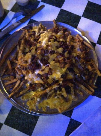Coyote Bluff Cafe: Chili Cheese Fries with Green Chilis and Bacon