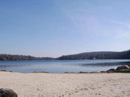 Split Rock Resort: lake that's there