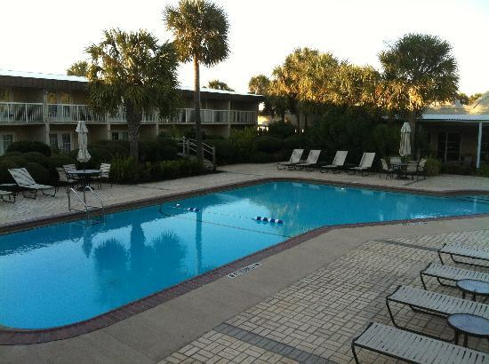 Four Points by Sheraton Destin- Ft Walton Beach: One of the pools