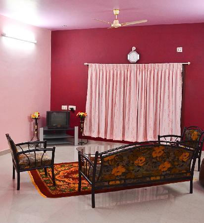 Asokantham Luxury Serviced Apartments: Hall