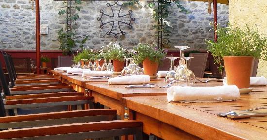 Restaurant La Marquiere: Le patio