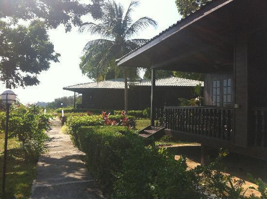 Century Langkawi Beach Resort: 4室あるコテージ棟