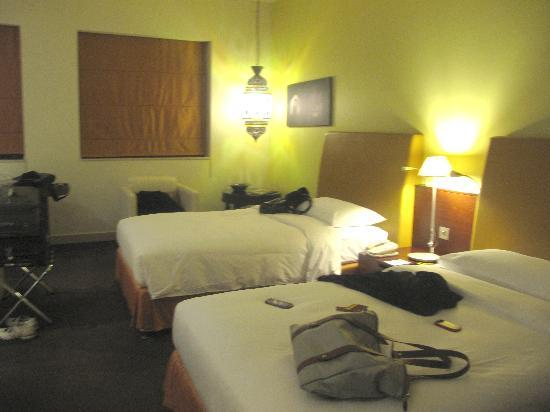 Manzil Downtown: room2