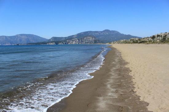 Iztuzu Beach: Endless stripe of sand