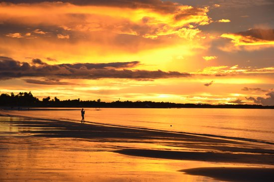 Aquarius On The Beach : The best sunset I saw...