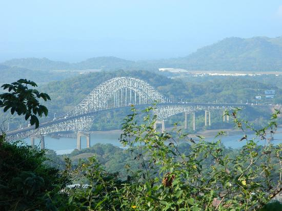 Cerro Ancón: Bridge of the Americas